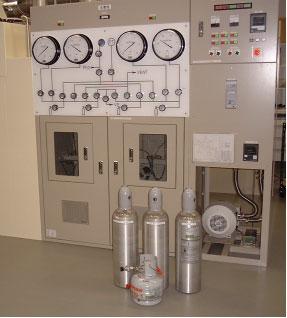 Gravimetic Transfer Equipment for Preparation of Gas Mixtures